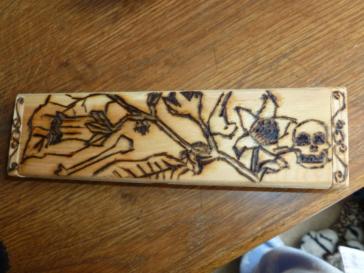 Belladonna and death for my alraun, first experiment into woodburning.